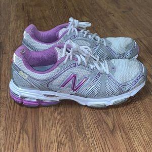 Women's New Balance 940 Running Shoes Sz 9.5